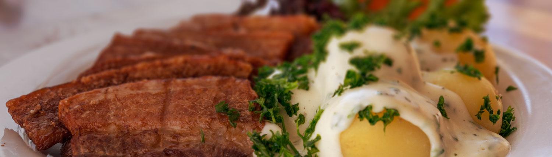 hvide-hest-bakken-stegt-flaesk-menutilbud
